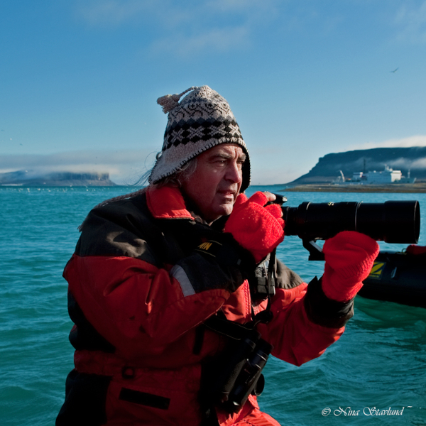 Tony ready to capture wild Polar Bear!